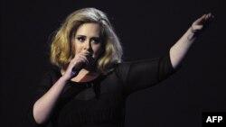 Penyanyi ternama Inggris, Adele, memberikan dukungan terhadap Hillary Clinton (foto: ilustrasi).