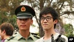 中國人民解放軍駐港部隊與香港市民互動