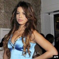 Cô 'Ruby' bị cáo buộc nhận tiền của Thủ tướng Berlusconi và quan hệ tình dục với ông