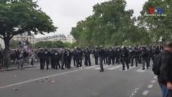Fransa Yine Grev Dalgasıyla Sarsıldı