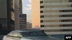 Chiếc Chevrolet Volt có thể chạy được 64 kilomet mới cần đến xăng