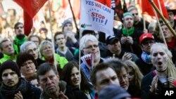 有25万人走上街头抗议跨大西洋贸易与投资伙伴协议(TTIP)(2015年10月10日)