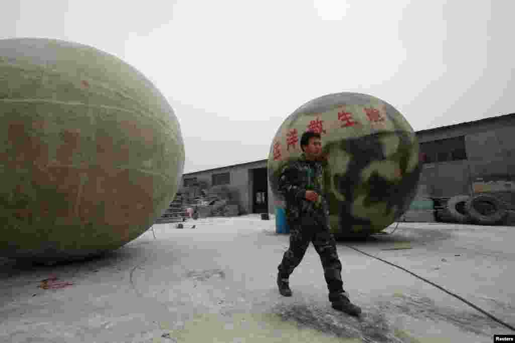 اس گیند نما گھر کو تیار کرنے میں 18 لاکھ یوان لاگت آئی ہے
