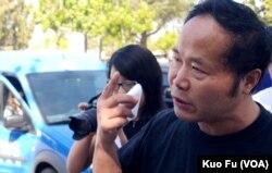雕塑家陳維明要求警方道歉(美國之音國符拍攝)