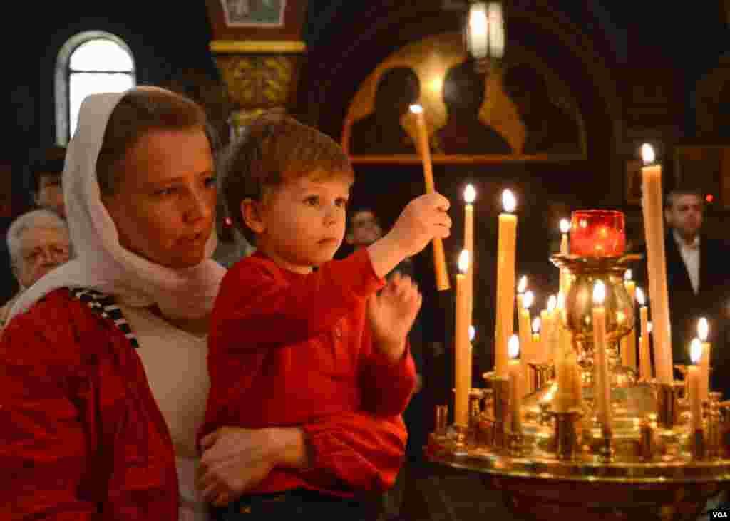 Пасхальная служба в соборе святого Иоанна Предтечи (Русская Зарубежная церковь)