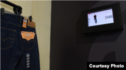 """Intel's """"smart fitting room"""" recommends matching items for customers while connecting them directly with a sales associate. (Courtesy of Intel)"""
