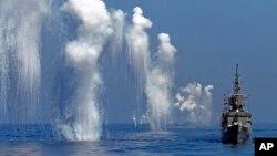 台湾的汉光军事演习中的佩里级护卫舰(台湾称巡防舰)(2014年9月17日)美国2014年12月决定对台出售4艘佩里级护卫舰