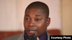 Angola, John Bella, escritor, sociólogo, deputado à Assembleia pela bancada do MPLA