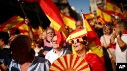 Hiljade gradjana Barselone protestuju protiv nastojanja da se Katalonija odcepi od Španije 8.oktobar, 2017.