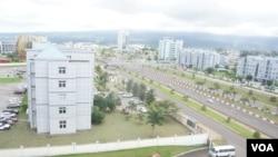 Vue sur la capitale Malabo, en Guinée équatoriale. (Moki Edwin Kindzeka/VOA)