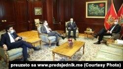 Predsjednik Crne Gore Milo Đukanović tokom razgovora sa Zdravkom Krivokapićem, Aleksom Bečićem i Dritanom Abazovićem u Podgorici (Foto: www.predsjednik.me)