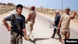 Mayakan sa kai suna neman 'yan ISIS a Libya