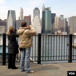 Posjetitelji u New Yorku se spremaju za veliki doček 2012