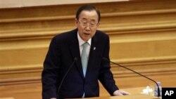 Sekjen PBB Ban Ki-moon berbicara di hadapan parlemen Burma di Naypyitaw (30/4).