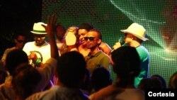 El narcotraficante colombiano Camilo Torres Martínez, conocido como 'Fritanga' tenía estrechos vínculos con personalidades del espectáculo en Colombia y gastó millones de dólares para celebrar su matrimonio por más de una semana. [Foto: Policía Colombia]