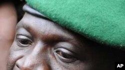 Thủ lãnh cuộc đảo chánh và là người cầm đầu chính quyền quân sự của Mali, Ðại úy Amadou Sanogo