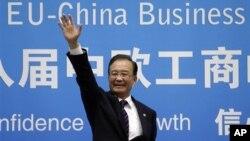 지난달 20일 중국·유럽연합 정상회의에 참석한 원자바오 중국 총리. (자료사진)