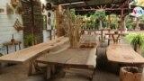 El Taller Detalles, en Catarina, Nicaragua, fabrica muebles y otras artesanías con la madera que descartada por las carpinterías. Foto Houston Castillo, VOA.