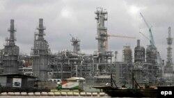گزارش آژانس حاکی است تولید جهانی نفت در آوریل به ۳۲ میلیون و ۷۰۰ هزار بشکه در روز رسید.