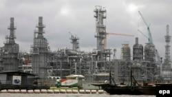 Fasilitas minyak milik perusahaan Chevron di Niger Delta, Nigeria Selatan (foto: ilustrasi).