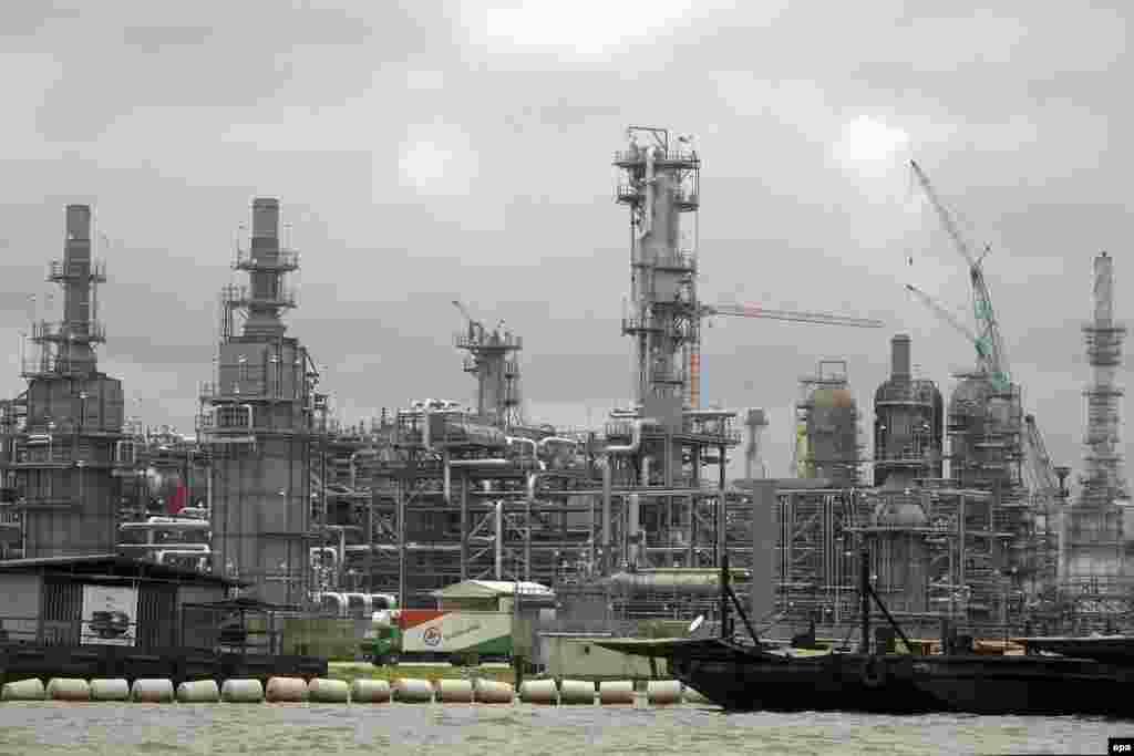 SAMEDI. Les Vengeurs du delta du Niger attaquent un important pipeline au Nigeria. Lire l'article ici.
