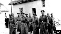یهکێک له بهناودهنگ ترین نازییهکان-ی که دادگاه داوای دهکرد مردووه بهر لهوهی دادگایی کردنی دهست پێ بکات