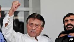 Cựu Tổng thống Pakistan Pervez Musharraf phát biểu tại sân bay quốc tế Jinnah ở Karachi, ngày 24/3/2013. Ông đã trở về nước sau bốn năm sống lưu vong.