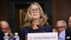 Professor Kristin Bleysi Ford Senatın Ədliyyə komitəsində ifadə verir, Vaşinqton, 27 sentyabr, 2018.