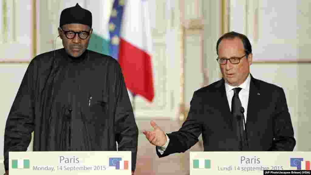 Shugaban Kasar Faransa Francois Hollande Ya Marabci Shugaba Muhammadu Buhari A Fadar Elysee Dake Birinin Faris. Satumba 14, 2015.
