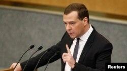 Thủ tướng Nga Dmitry Medvedev nói rằng không còn ai để chính phủ Nga giao tiếp ở Ukraina