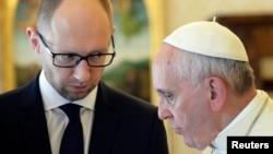 乌克兰总理亚采纽克会晤天主教皇方济各