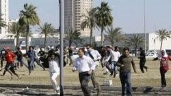 پلیس برای پاکنده ساختن معترضان، از گاز اشک آور استفاده کرد