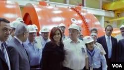 """Cerca de 5.000 personas se emplearán en la Central Argentina de Elementos Modulares (CAREM), al mando del reactor nuclear """"de tecnología cien por ciento nacional""""."""