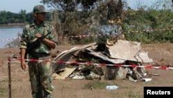 Laos Hava Yolları təyyarəsi 19 oktyabr, 2013-cü ildə Mekonq çayına düşərək qəzaya uğramışdı.