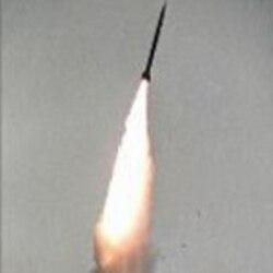 وقايع روز: برنامه های اتمی و موشکی ايران در کانون توجه محافل سياسی جهان قرار گرفته است