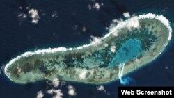 Ảnh chụp từ vệ tinh vào ngày 30/11 của Planet Labs đăng trên Reuters cho thấy hoạt động nạo vét của Việt Nam tại đảo Đá Lát thuộc quần đảo Trường Sa.