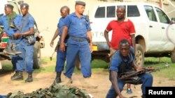 Polisi wa Burundi kwenye picha ya awali.