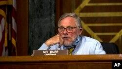 Senatori Richard Burr gjatë një dëshmie në Senat më 5 maj 2020.