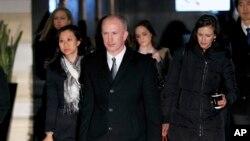 美國副貿易代表杰弗里格里什率領的美方代表團星期一離開在北京市中心的酒店。