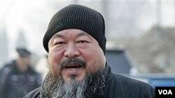 Ai Weiwei, salah seorang seniman terkenal yang ditahan polisi Tiongkok pada awal bulan ini.