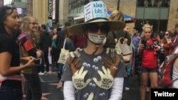 راه پیمایی حمایت از قربانیان آزار جنسی در هالیوود