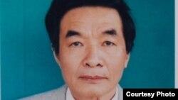 Nhà văn Nguyễn Xuân Nghĩa đang bị trừng phạt vì tiết lộ thông tin về cuộc tuyệt thực của blogger Điếu Cày.