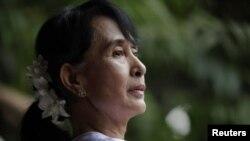 ທ່ານນາງ Aung San Suu Kyi ສະມາຊິກສະພາຄົນໃໝ່ຂອງມຽນມາ