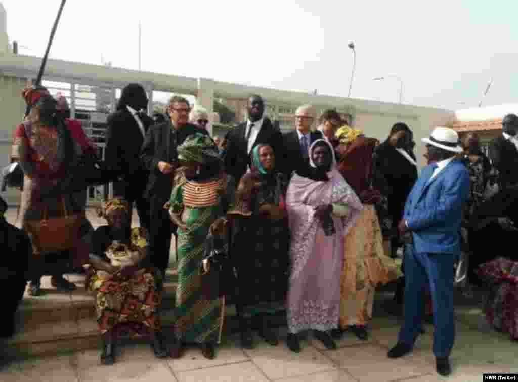 Les familles des victimes de l'ex-président tchadien attendent le verdict avec impatience à Dakar, lundi 30 mai 2016.