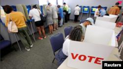 2016年10月20日美國北卡羅來納州開始早期投票。