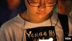 香港民众去年参加六四22周年烛光晚会