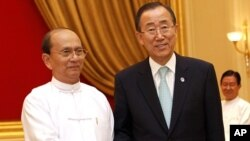 Burma's President Thein Sein (L) and United Nations Secretary General Ban Ki-moon shake hands before their meeting at the Presidential Palace in Naypyitaw, April 30, 2012.