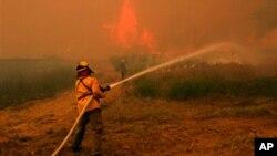 德州山火因為強風使到火情惡化