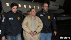 الچاپو در دست مأمورین اداره مبارزه با قاچاق مواد مخدر آمریکا (DEA)