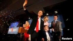 2018年11月6日美国佛罗里达州共和党参议院候选人斯科特在中期选举晚会上。
